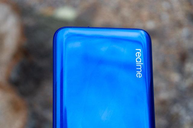 Смартфон realme 5 с плюсами и минусами