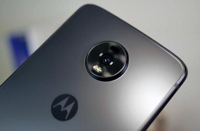 Что известно о характеристиках смартфона motorola moto z4 force